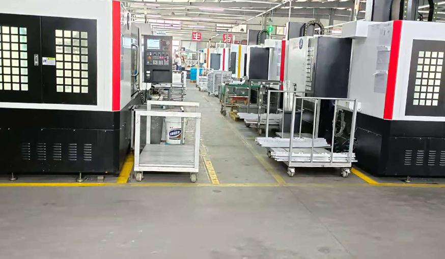 立式铝型材加工中心