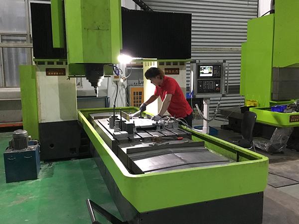 摩擦焊机焊接时噪音过大怎么处理呢?