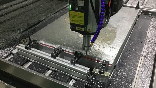 五轴加工中心是怎么加工零件的?