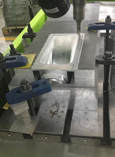 水冷风机壳搅拌摩擦焊机