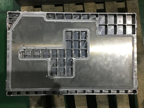 搅拌摩擦焊机新能源大巴车水冷箱