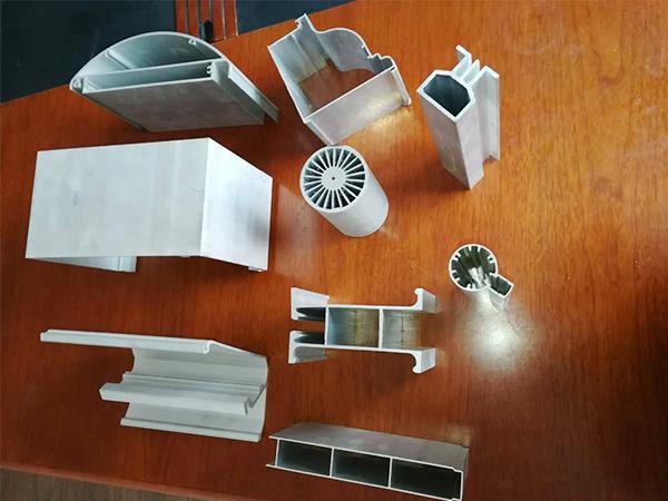 科鼎数控铝型材自动锯床锯切产品