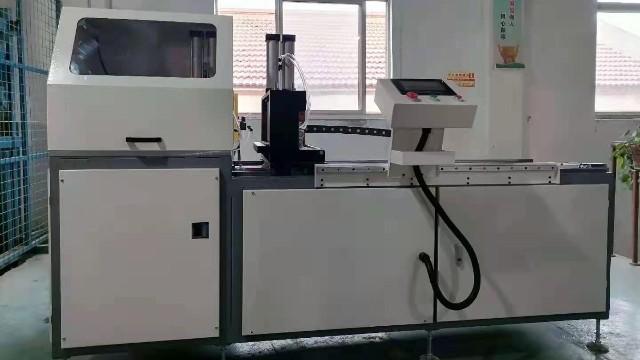 科鼎数控铝型材自动数控切割锯的组装